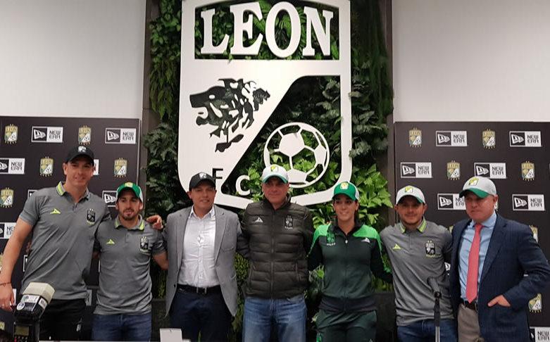 3546356b14111 New Era y León firmaron convenio  presentaron once modelos de gorras