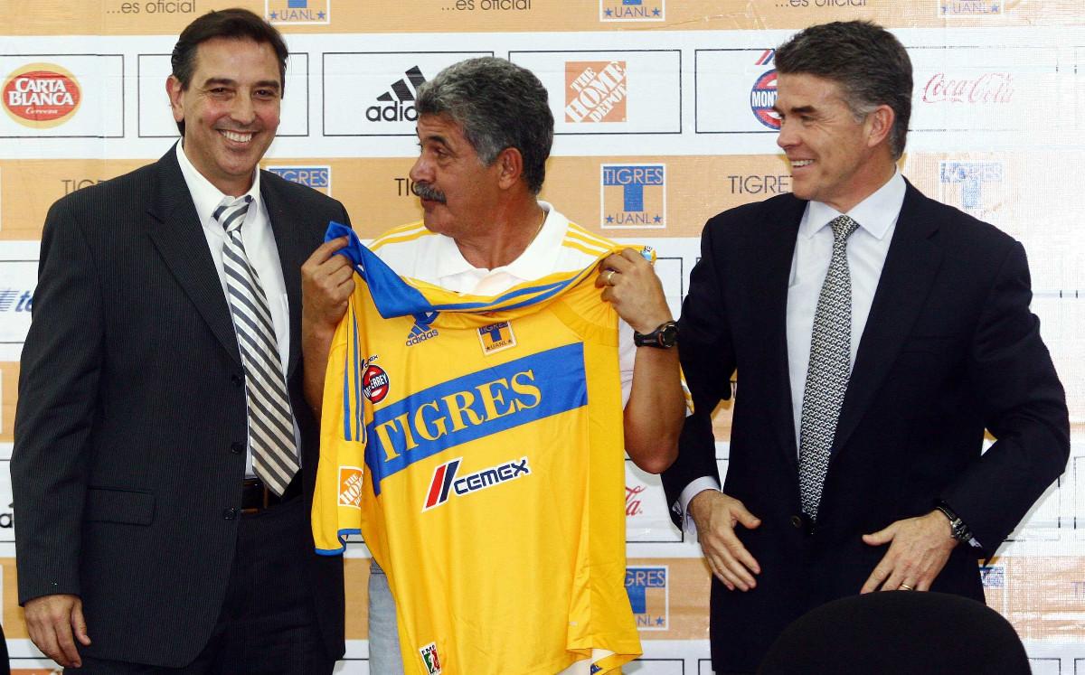 Así llegó Tuca a Tigres en 2010, equipo al que dejará tras 10 títulos -  Mediotiempo
