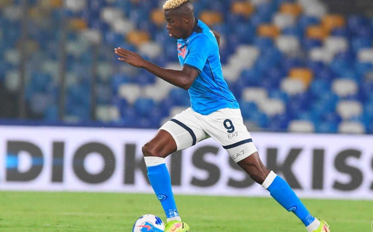 El Napoli de Chucky Lozano está imparable, vence a Cagliari y liga seis triunfos