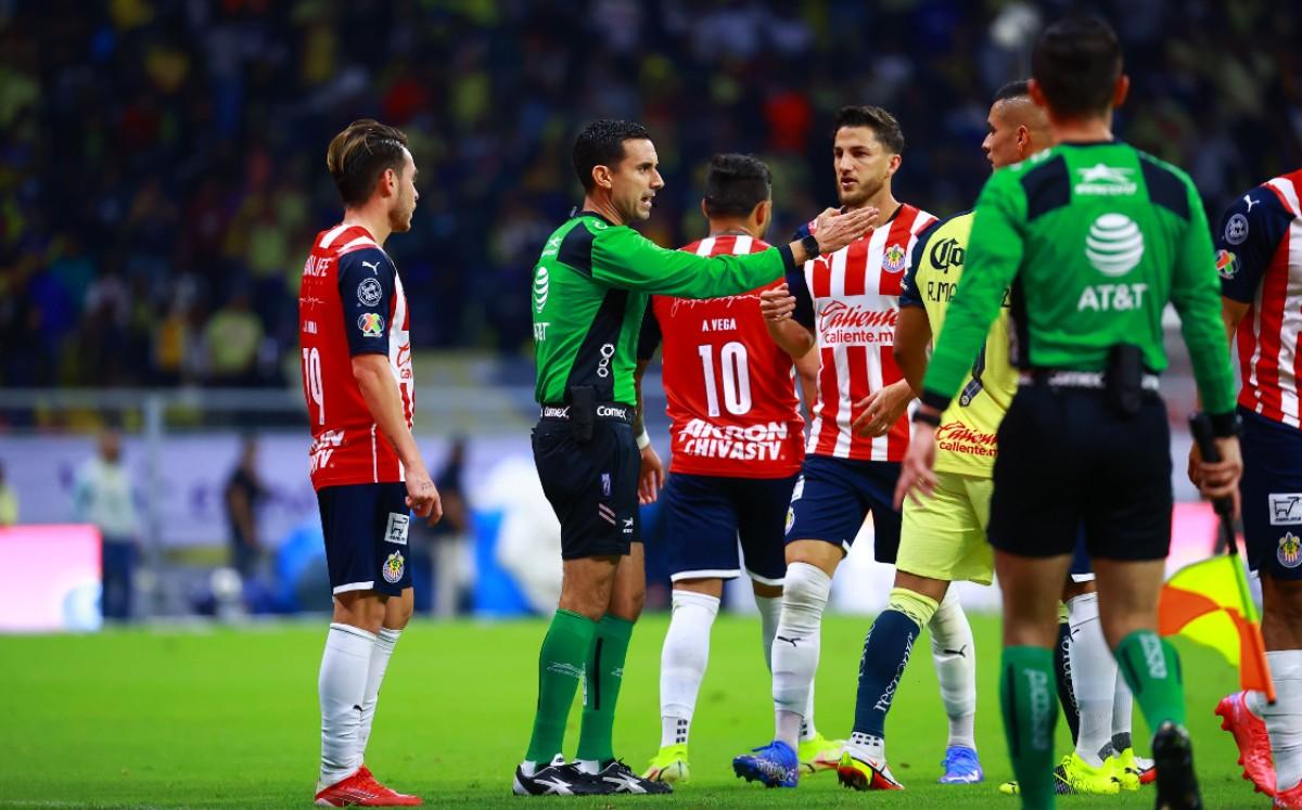 Borran a César Ramos de las designaciones tras actuación en el América-Chivas