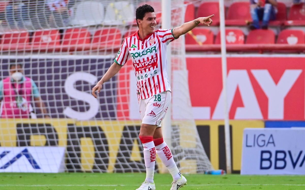 Con Guede en la tribuna Necaxa gustó, ganó y goleó a Xolos