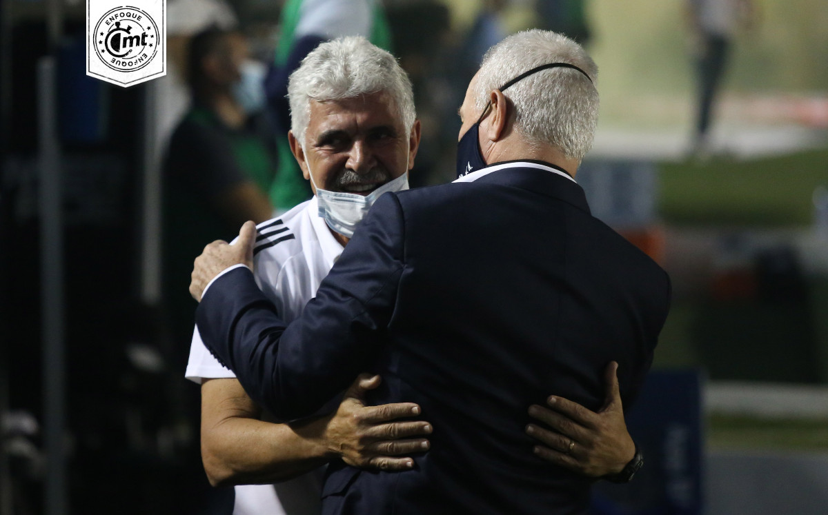 El Tuca Ferretti y el Vasco Aguirre, los dos 'cerebros' detrás de Mejía Barón en el Tri