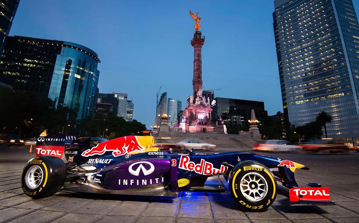 Checo Pérez dará exhibición y paseará por calles de la CDMX con su Red Bull de la F1