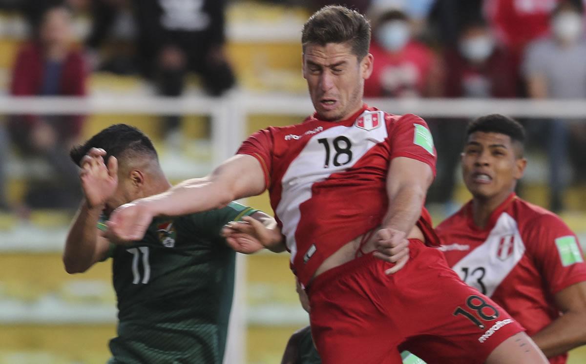 Ormeño elude las críticas en Perú tras caída ante Bolivia en las Eliminatorias