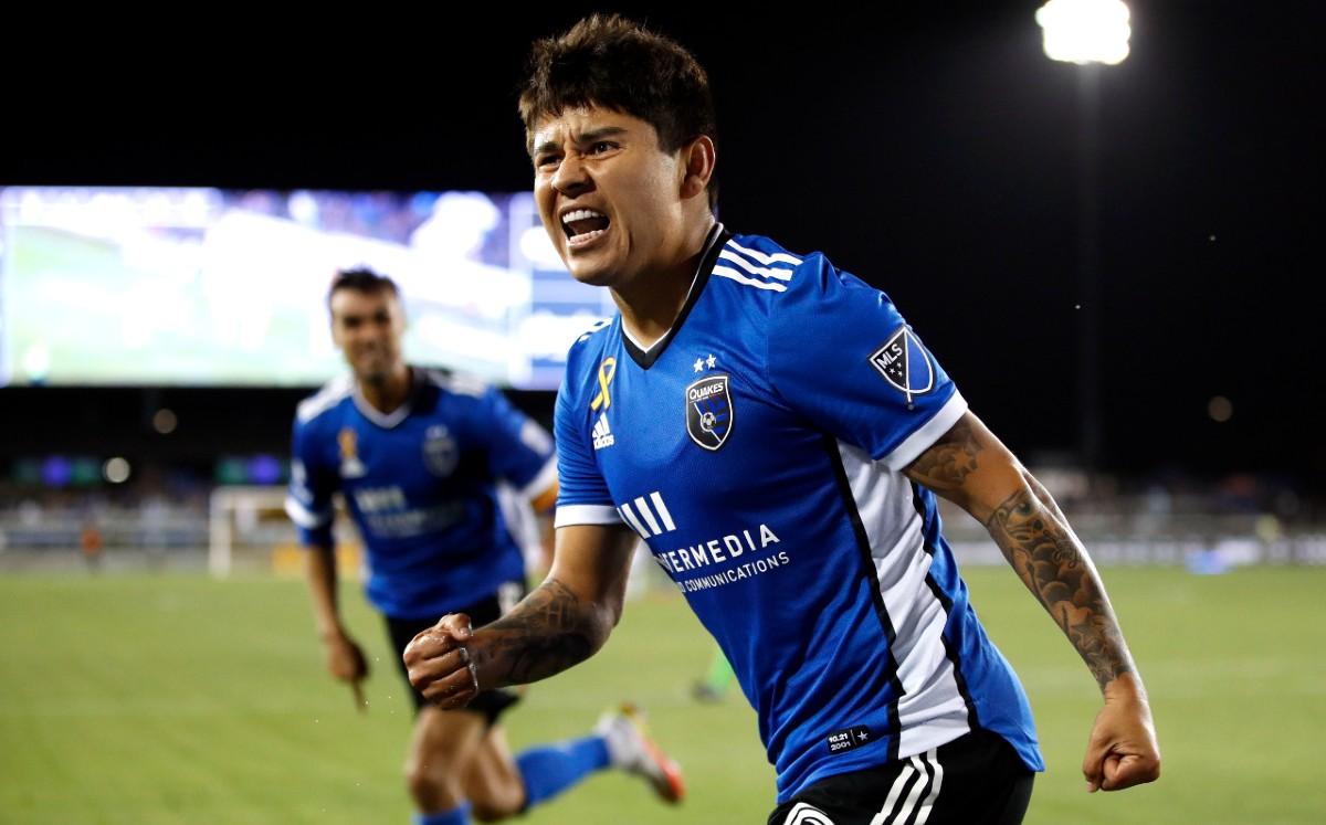 Chofis López, cerca de igualar el debut goleador de Carlos Vela en la MLS